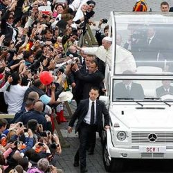 Popemobiles 10 Things To Know About The Ceremonial Vehicle Of The Pope